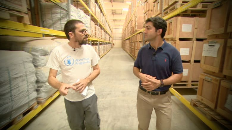 تعرف على المساعدات التي ترسل من الإمارات إلى ضحايا زلزال نيبال