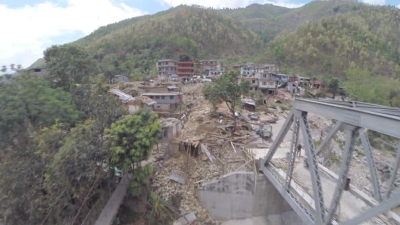 حصري .. لقطات من طائرة بدون طيار ترصد الدمار في نيبال حيث لا يمكن وصول البشر