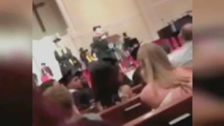 مديرة مدرسة أمريكية تفجر جدلا حول العنصرية ضد السود بحفل تخرج