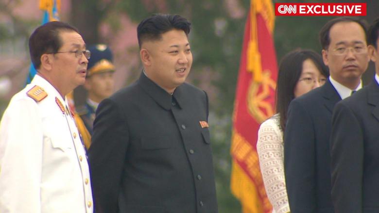 """حصري.. منشق كوري شمالي يروي تفاصيل """"الإعدام الوحشي"""" لعم وعمة الزعيم كيم جونغ أون"""