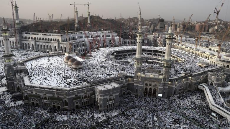 خطبتا الجمعة.. طهران تدعو لتحرير الحرمين.. مكة: علينا إدراك حجم عداوة من لا يحبنا وإدراك السبل والوسائل التي يتربص بها عدونا