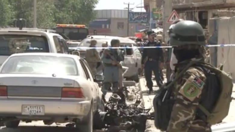 شاهد موقع تفجير سيارة مفخخة في كابول قتل فيه 4 بينهم مواطن بريطاني