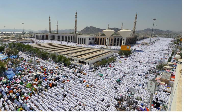 الصلاة في مسجد نمره بمزدلفة قرب جبل عرفات بمكة