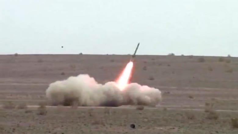 شاهد.. إيران تختبر صواريخ حربية جديدة