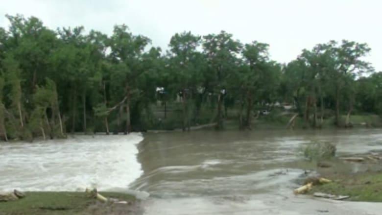 بالفيديو.. مشاهد من الفيضانات التي تجتاح تكساس