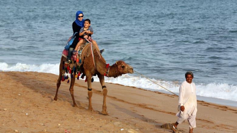 على شاطئ الخليج بعمان