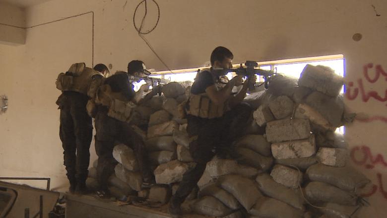"""CNN على جبهة القتال مع """"داعش"""" .. معارك للسيطرة على مصفاة بيجي"""