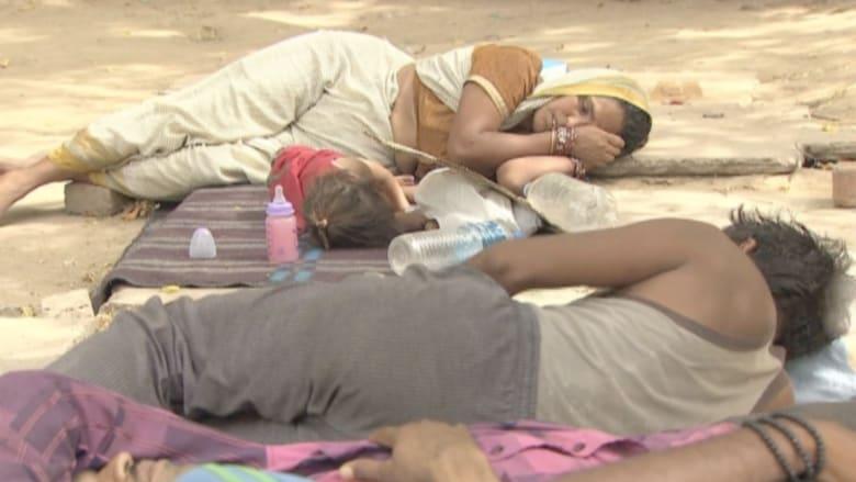 بالفيديو.. الموت بالطاقة النظيفة .. 1786 هنديا يموتون تحت حرارة الشمس