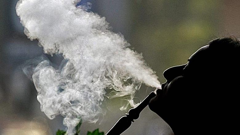 تزايد مخيف للمدخنين العرب.. والإمارات تتحرك ضد السجائر والشيشة