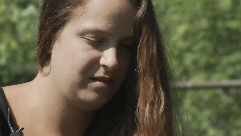 بالفيديو.. ترك الطابعة وسرق رماد طفلة مجهضة من سيارة والدتها