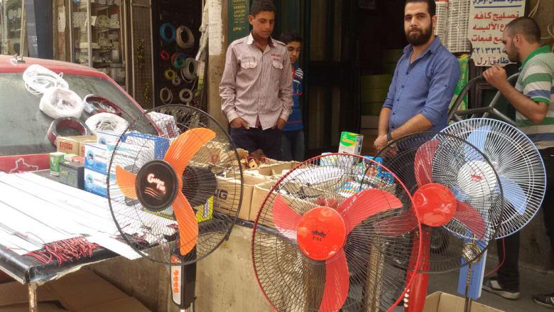 سوق الكهرباء في دمشق..اختراعات تقاوم الحرب لإضاءة المنازل وتهدئة النفوس