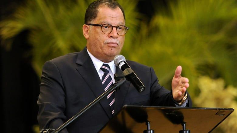 """من """"فخر وطني"""" إلى الاحتماء خلف الأمن.. بطل مونديال جنوب أفريقيا يواجه الفضائح"""