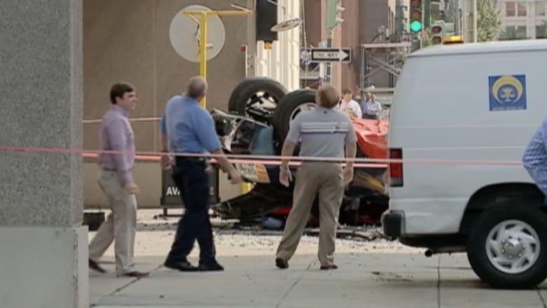 فيديو لم تشاهده من قبل.. حادث مروع لسقوط شاحنة من الطابق السادس