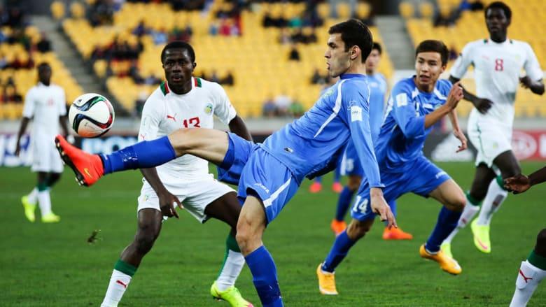 """من مباراة السنغال ضد أوزبكستان في ربع نهائي بطولة كأس """"يو-20"""" في نيوزلندا"""