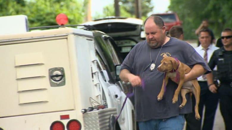 والد يقتل في منزله أمام أولاده وسط عشرة كلاب حراسة