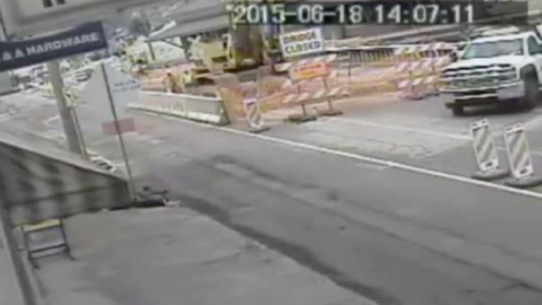 بالفيديو.. لحظة انهيار جسر في بنسلفانيا
