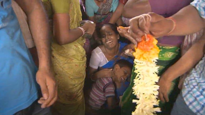 فقراء الهند يفرون من بؤسهم إلى خمور مسمومة تحصدهم بالعشرات