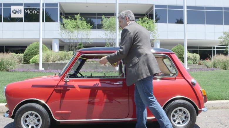 """بين 1965 و2016 .. كيف تغير حجم سيارة """"ميني كوبر"""" عبر السنين؟"""