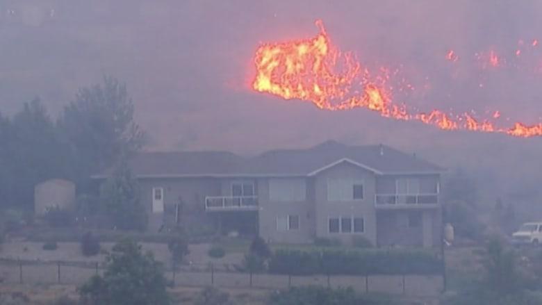 بالفيديو.. حرائق هائلة تدمر المنازل وإجلاء المئات في واشنطن