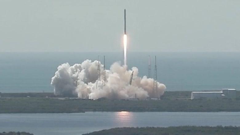 """انفجار صاروخ """"فالكون 9"""" بعد دقائق فقط من الإطلاق.. خيبة أمل لمؤسس الشركة في يوم ميلاده"""
