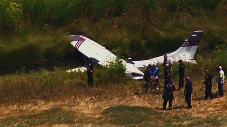 بالفيديو .. طائرة ركاب صغير تتحطم قرب المطار في كاليفورنيا