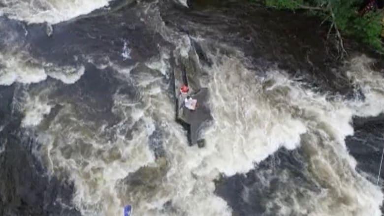 بالفيديو.. طائرة بدون طيار تنقذ فتيين علقا في نهر بأريغون