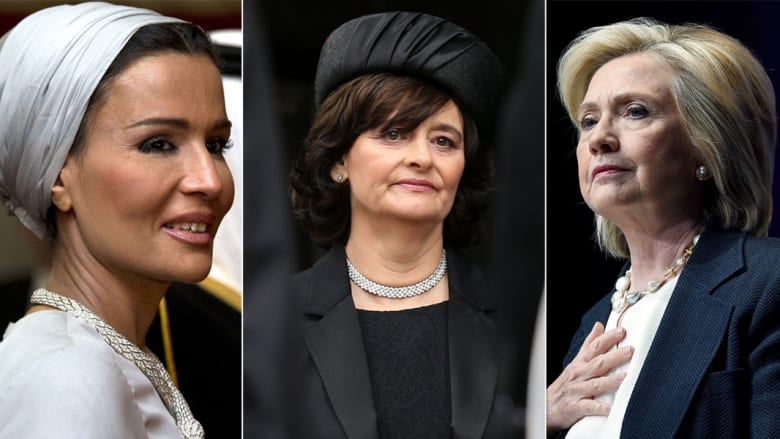 """أثارت المعلومات التي كشفت عنها الرسائل الخاصة بوزيرة الخارجية الأمريكية السابقة هيلاري كلينتون الجدل خصوصا وأنها تضمنت معلومات حول عمل شيري بلير كـ """"وسيط"""" بين هيلاري كلينتون والشيخة موزة."""