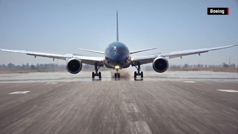 """شاهد.. إقلاعات وانعطافات لا تُصدق للطائرة الضخمة """"دريملاينر"""""""