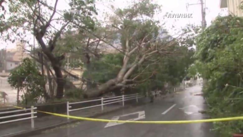 """بالفيديو..أمواج عاتية وفيضانات باليابان بسبب إعصار """"تشان هوم"""""""