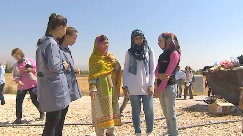 """""""ملالا"""" تساعد في تعليم أطفال اللاجئين السوريين"""