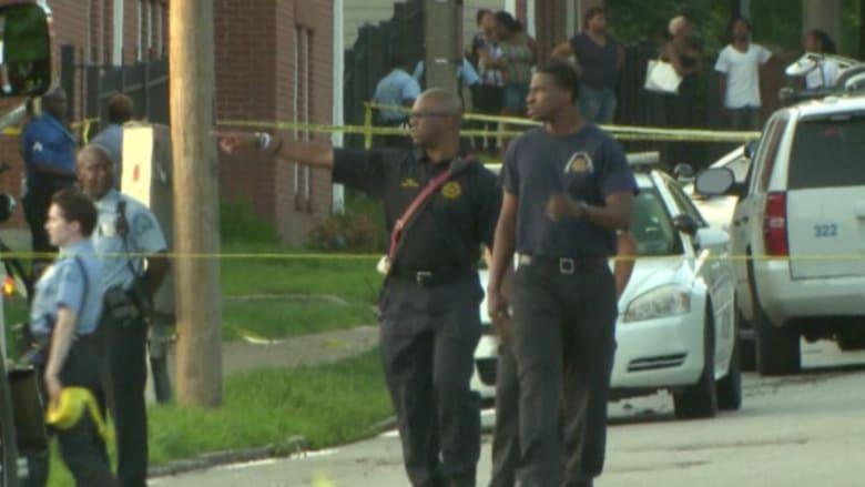 بالفيديو.. مراهق يشتبك بالسلاح مع رجال الشرطة في سانت لويس