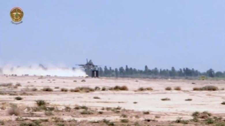 """بالفيديو.. لحظة هبوط أول مقاتلات """"إف 16"""" التي تسلمها العراق من أمريكا"""