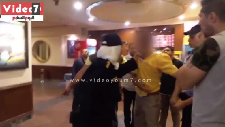 """بالفيديو.. العقيد نشوى تصعق """"متحرشاً"""" في مصر وتحصل على تضامن المغردين.. و""""شفت تحرش"""": """"تعذيب علني"""""""