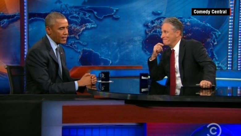 "شاهد ماذا قال عن إيران و""ترامب"".. ""أوباما"" لـ ""جون ستيوارت"": لا تغادر قبلي"