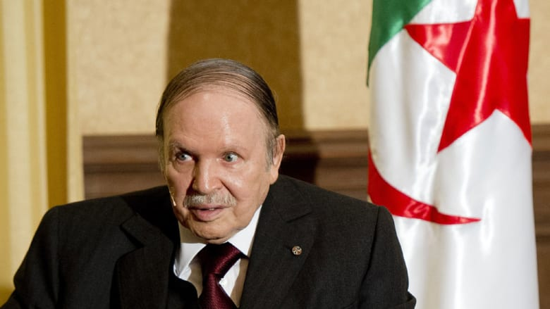 """الرئيس الجزائري بوتفليقة يقيل ثلاثة وزراء ويتوعد بالانتقام من """"داعش"""""""