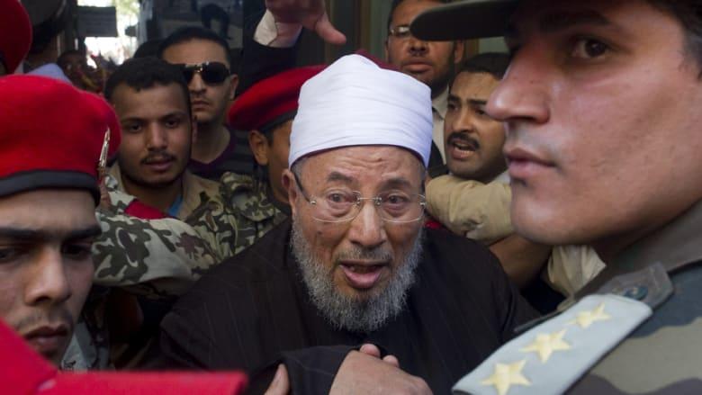 إعلامي مصري ينشر فيديو تبرير القرضاوي للتفجيرات الانتحارية.. والداعية يرد: التسجيل قديم ومجتزأ