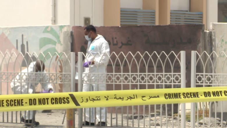 بالفيديو.. مقتل شرطيين وإصابة 5 في تفجير بالبحرين