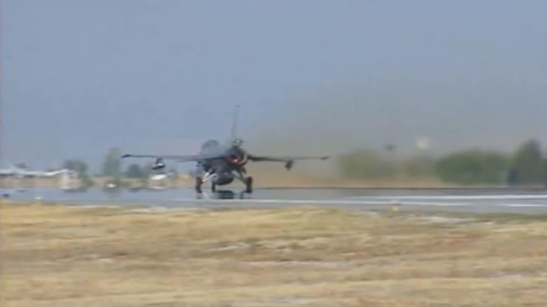 بالفيديو.. مقاتلات تركية تغير على داعش.. وأوغلو لـCNN: يجب خلق وضع جديد بسوريا