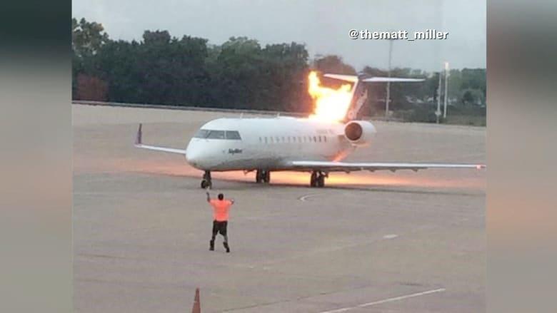 شاهد.. لحظة اشتعال النيران في محرك طائرة قبل إقلاعها بلحظات