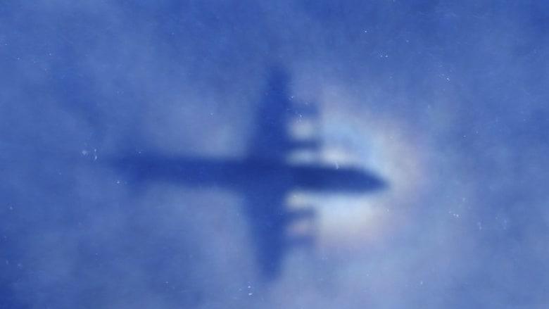 وزير النقل الماليزي: أغلب قطع الحطام التي عثر عليها في المالديف لا تعود للطائرة الماليزية MH370