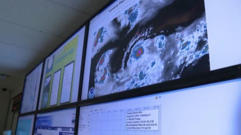 """بالفيديو.. هاواي تترقب استعداداً للعاصفة """" كيلو"""""""