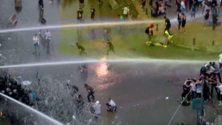 بالفيديو.. احتجاجات بيروت تشتعل والحكومة تحاول إخمادها بخراطيم المياه