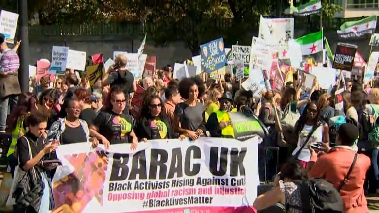 بالفيديو.. مسيرة لآلاف الأشخاص في بريطانيا دعماً للاجئين السوريين