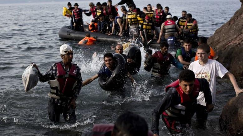 فرنسا تُعفي ممثلة قنصليتها الفخرية في مدينة تركية إثر بيعها زوارق للمهاجرين السرّيين