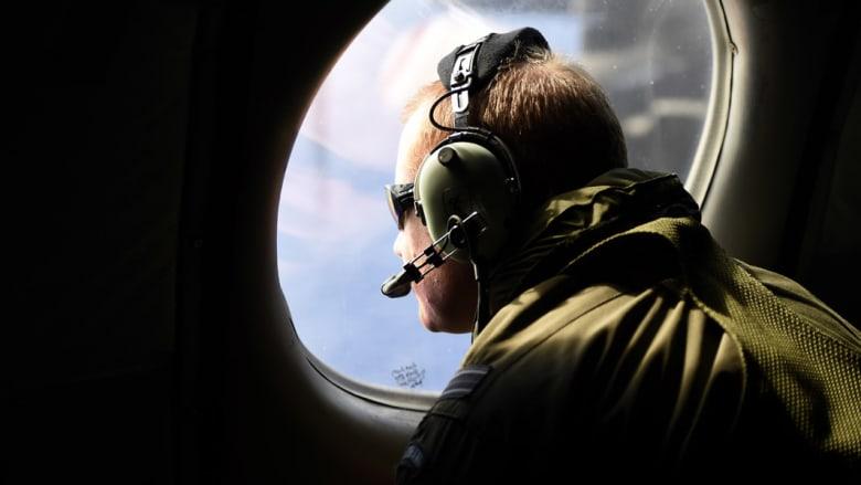 """طيار فرنسي يرى """"جسما كبيرا"""" في المحيط وشكوك بأنه يعود للطائرة الماليزية المفقودة"""