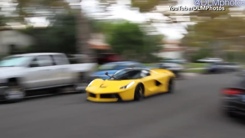 بالفيديو.. سيارات فارهة تقوم بحركات بهلوانية بكاليفورنيا.. ومصادر قانونية: إحدى السيارات لها صلة بشيخ قطري