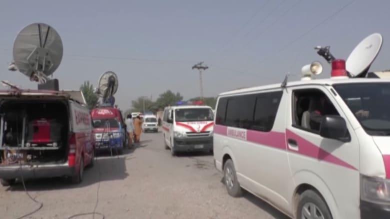بالفيديو.. مسلحون من طالبان يقتحمون مسجدا في قاعدة جوية بباكستان