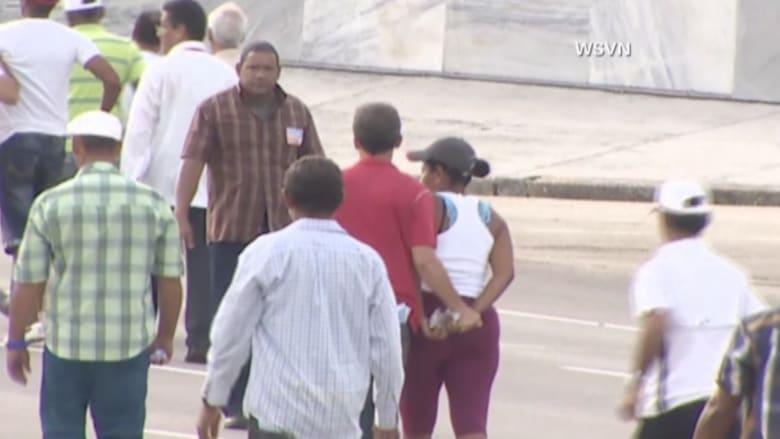 بالفيديو.. اعتقال أربعة أشخاص حاولوا اقتحام موكب البابا في هافانا