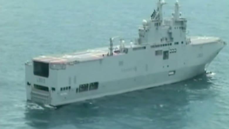 """بالفيديو.. هولاند: بيع سفينتي """"ميسترال"""" إلى مصر بدلاً من روسيا لا يكلف فرنسا أي خسارة مادية"""