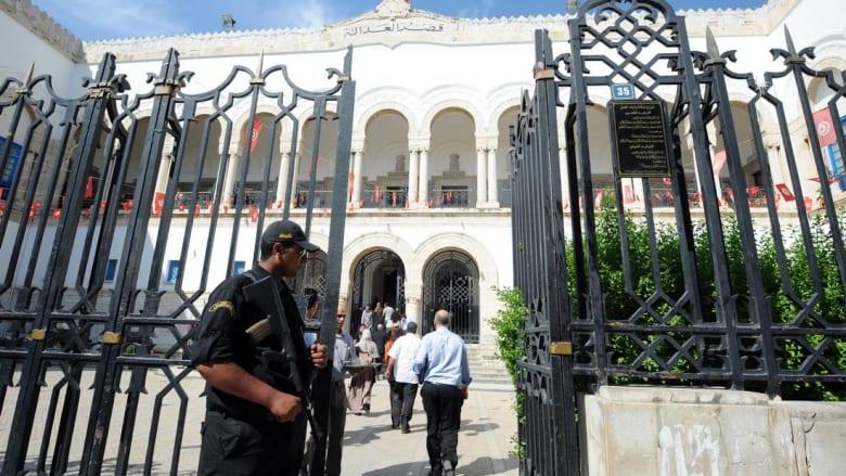 الملك المغربي والرئيس التونسي يعفوان عن 1202 شخصًا بمناسبة عيد الأضحى